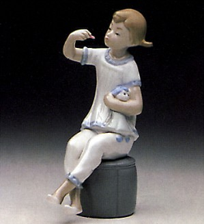 Lladro-Girl with Doll 1969-85