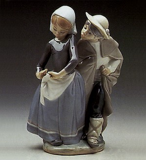 Lladro-Little Couple Kissing 1972-89