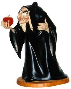 WDCC Disney Classics-Snow White Hag Take The Apple, Dearie