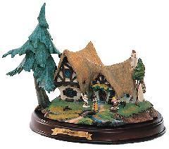 WDCC Disney Classics-Snow White Seven Dwarfs' Cottage