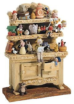 WDCC Disney Classics-Pinocchio Geppetto's Toy Creations (hutch) Geppetto's Toy Creations