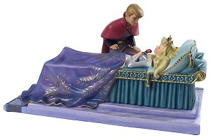 WDCC Disney Classics-Sleeping Beauty Prince Phillip And Princess Aurora Love's First Kiss