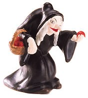 WDCC Disney Classics-Snow White Old Hag Miniature
