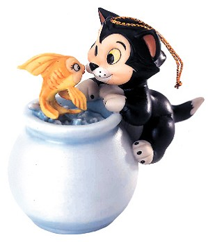 WDCC Disney Classics-Pinocchio Cleo And Figaro Purrfect Kiss