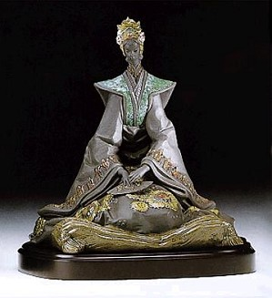 Lladro-Empress with Base 1995-99