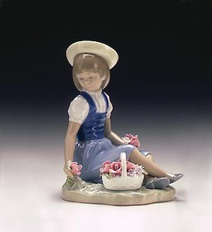 Lladro-Picking Flowers 1974-98