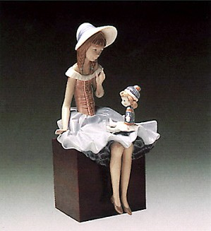 Lladro-Suzy and Her Doll 1978-1985