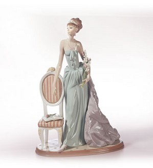 Retired Lladro-A Lady Of Taste