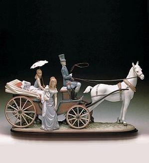 Lladro-The Landau Carriage