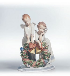 Retired Lladro-A Heavenly Christmas (2500)
