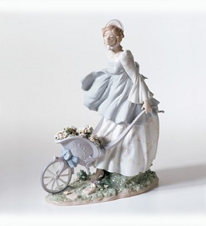 Lladro-Breezes Of The Heart