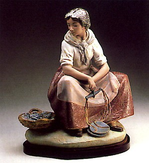 Lladro-Fisherwoman 1978-85
