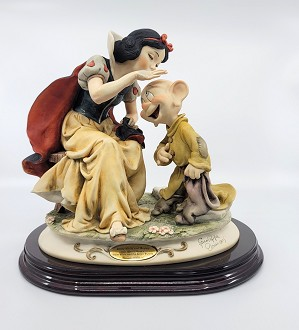 Giuseppe Armani-Snow White Kissing Dopey Artist Proof (slight flaw)