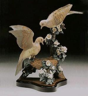 Lladro-Turtle Dove Nest Le 1200  1980-94