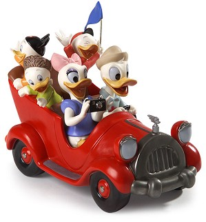 WDCC Disney Classics-Disneyland Park Donald, Daisy And Donald Nephews Family Vacation