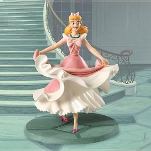 WDCC Disney Classics-Cinderella Isn't it Lovely? Do you like it?
