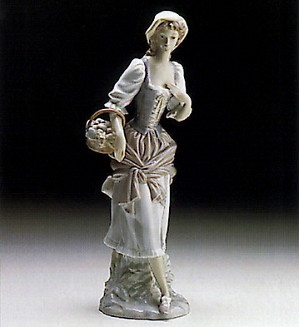 Lladro-Girl With Basket 1970-81