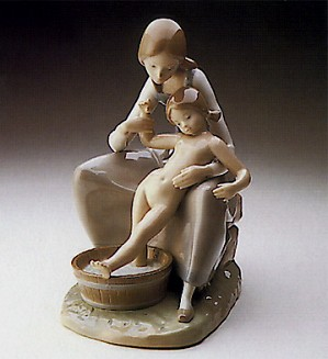 Lladro-Bathing the Girl 1974-78