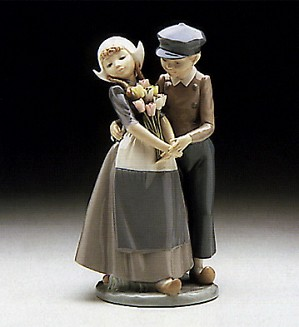 Lladro-Dutch Couple With Tulips 1982-85