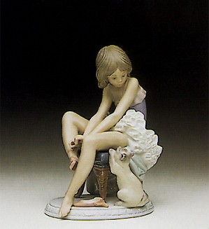 Lladro-Can I Help ? 1990-97
