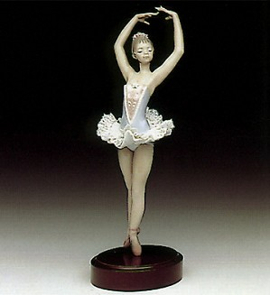 Lladro-On Her Toes