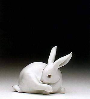 Lladro-Preening Bunny 1992-97