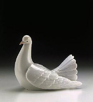 Lladro-Proud Dove