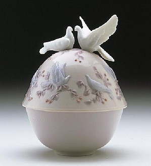 Lladro-Kiss Trinket Box 1997-99