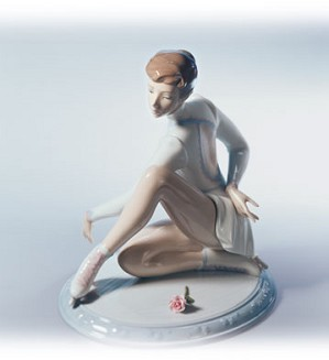 Retired Lladro-Elegance On Ice
