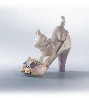 Retired Lladro-A Purr-Fect Fit
