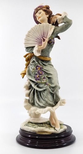 Giuseppe Armani-Violet '98  Figurine Of The Year