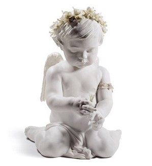 Lladro-CHERUB OF LOVE