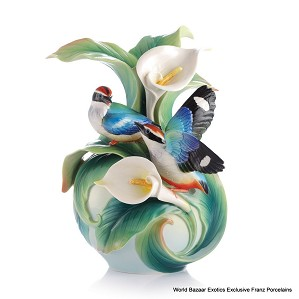 Franz Porcelain-Happy Encounter Blue-Winged Pitta vase