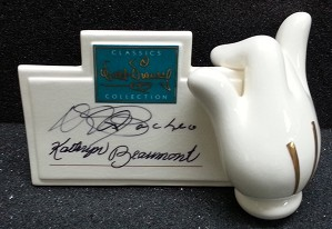 WDCC Disney Classics-Mickey's Glove Signature Plaque Signed By Kathryn Beaumont And Pacheo