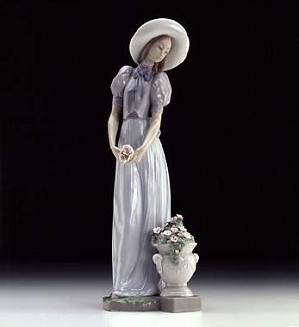 Lladro-Blossom Of The Heart