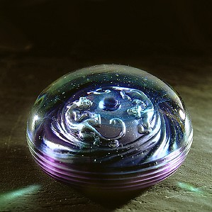 Liuli Crystal-Crystal Paperweight (Pride) - Changing Times