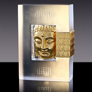 Liuli Crystal-Second Vow of the Medicine Buddha - 20 Year Retrospective of Loretta Hui-shan Yang�s Buddhist Creations
