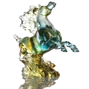Liuli Crystal-Galloping in the Storm