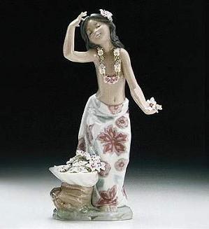 Lladro-HawaIIan Dancer