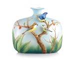 Franz Porcelain-Pleasant Scene rufous-bellied niltava vase