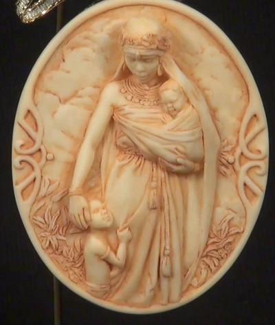 Ebony Visions_Madonna Ornament